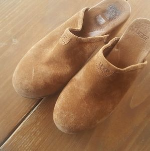Ugg women suede tan clogs size 10